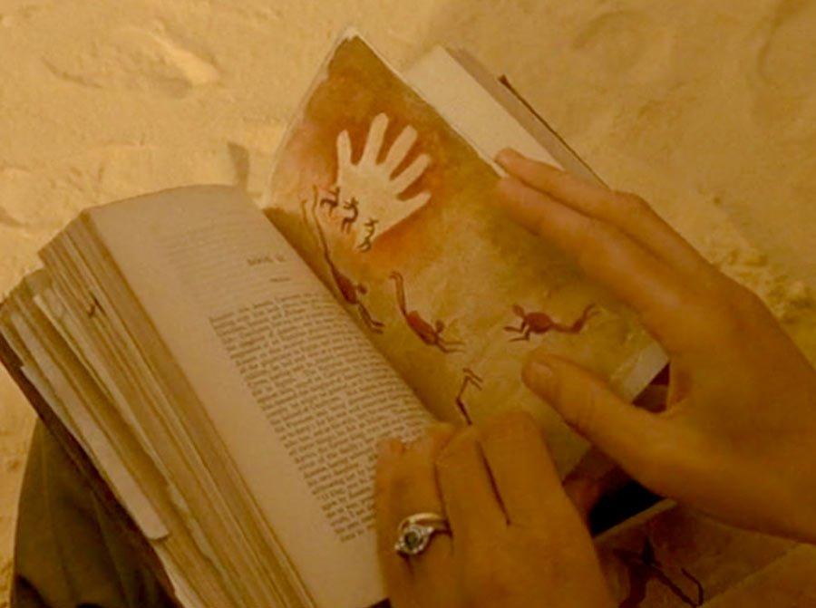 Katharine_holding_the_notebook